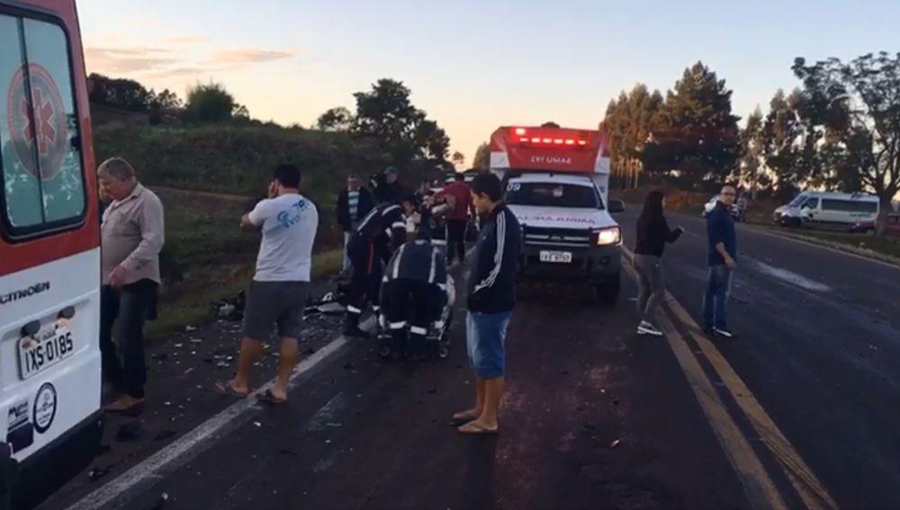 Acidente aconteceu, por volta das 6h, no quilômetro 234 da BR-386, em Soledade. — Foto: Reprodução/RBS TV