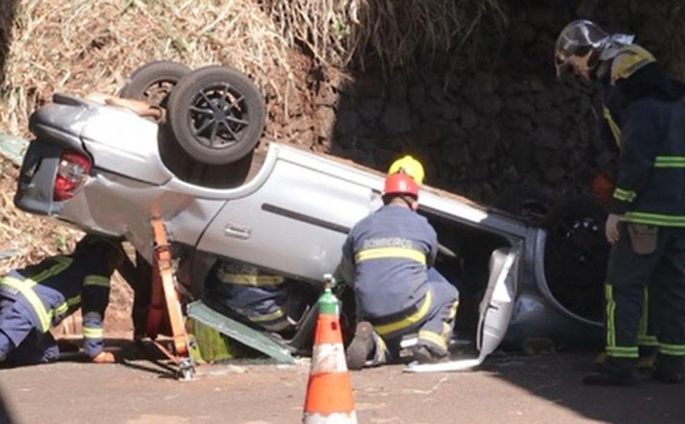 Motorista fica ferida após acidente em Maringá — Foto: Reprodução/RPC