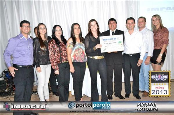 Entrega do Prêmio Qualidade Total   Impacto pesquisas 2013