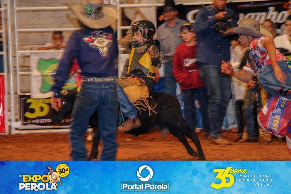 EXPOPÉROLA 2018 - SEXTA / RODEIO EM CARNEIRO