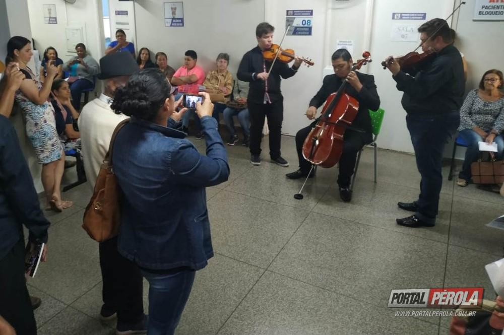 Música, poesia e muita emoção marcam o Dia das Mães no Cisa-Amerios