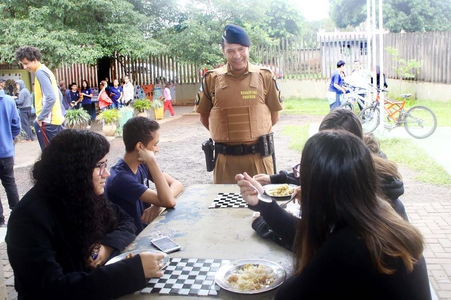 Presença policial transforma ambiente escolar em Foz do Iguaçu
