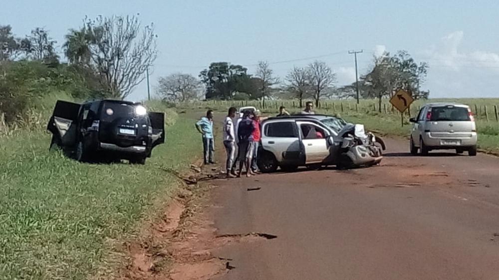 Acidente deixou seis pessoas feridas na PR-218, em Querência do Norte — Foto: Defesa Civil/Divulgação