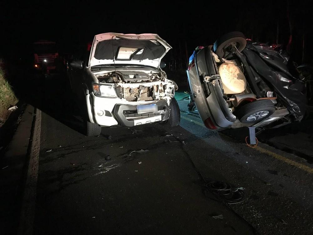 Segundo a Polícia Rodoviária Estadual (PRE), o acidente aconteceu por volta das 19h30 no km 20 da rodovia, próximo ao distrito de Serra dos Dourados — Foto: PRE/Divulgação
