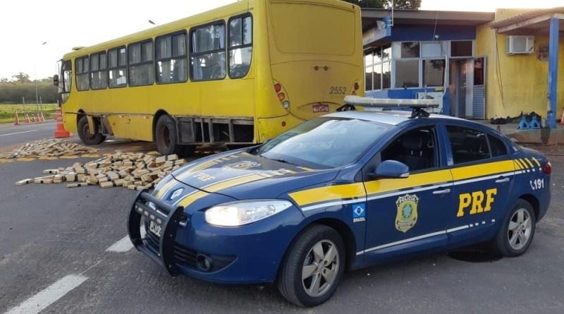 Mulher que dirigia ônibus com 1,8 tonelada de maconha é presa pela PRF em Alto Paraiso