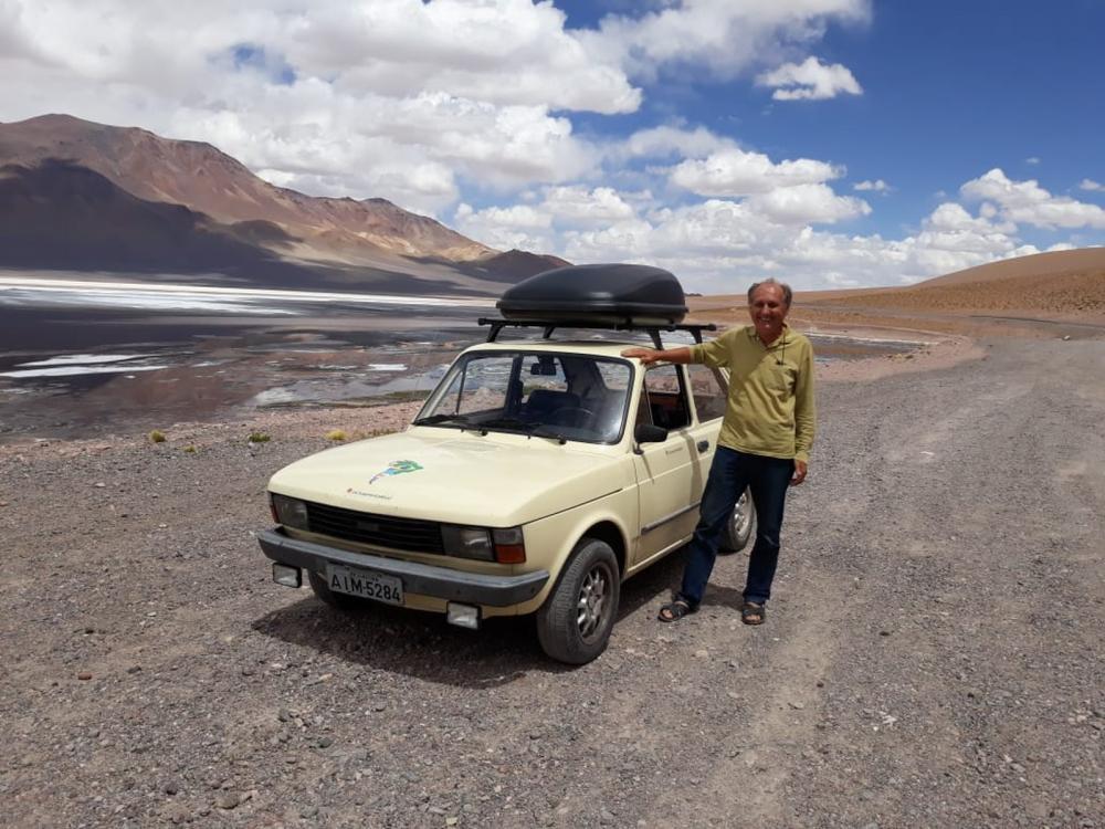Curitibano aposentado viaja sozinho 15 mil km pela América do Sul com um Fiat 147 — Foto: Arquivo pessoal/Alberto Carlos Fröhlich