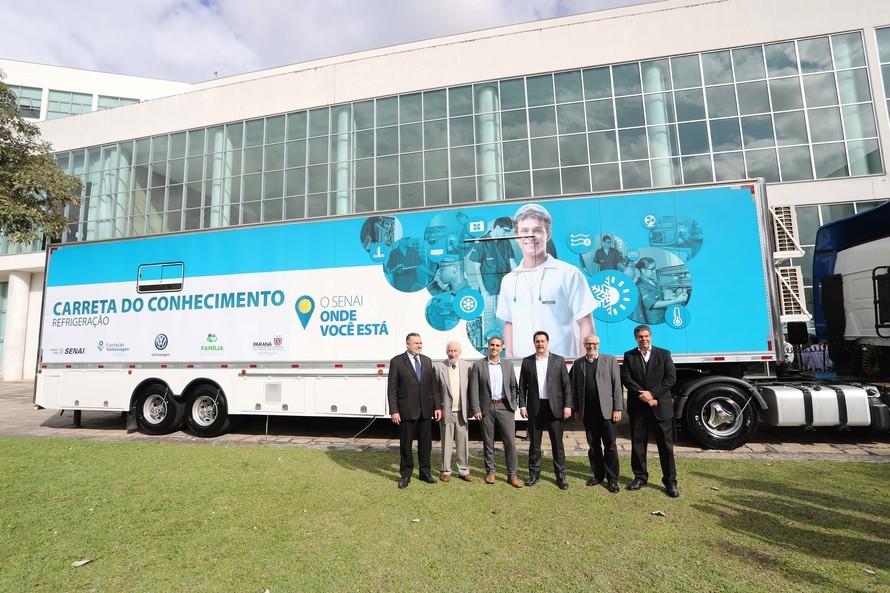 Carretas adaptadas levarão qualificação profissional a 46 cidades do Paraná