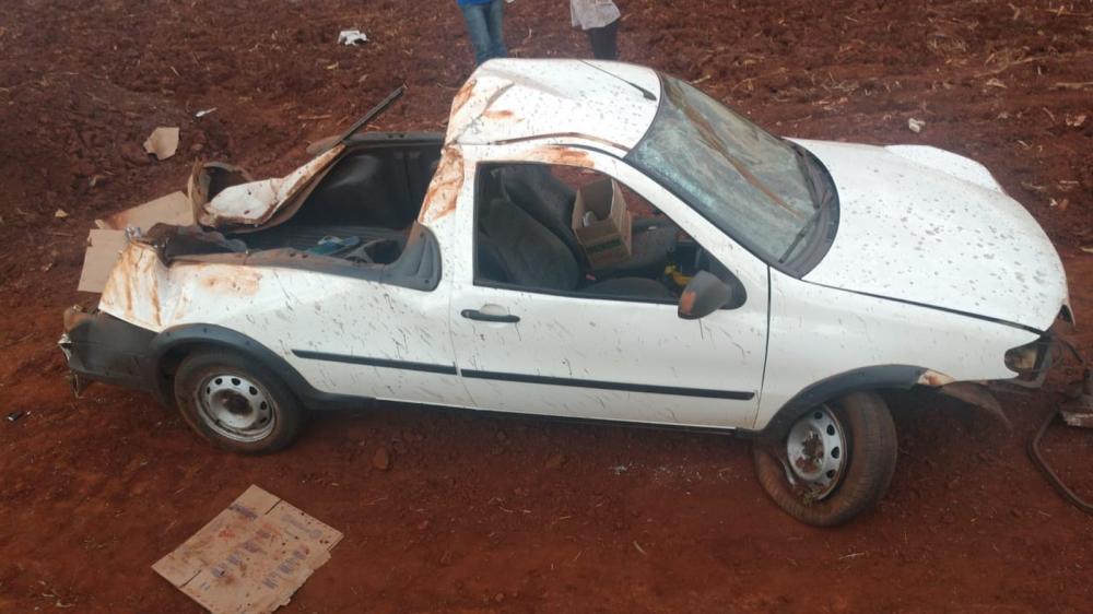 Acidente aconteceu no km 3 da PR-559, segundo a polícia — Foto: PRE/Divulgação