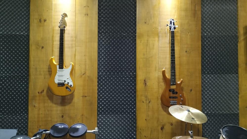 Quer aprender a tocar instrumentos musicais ou cantar? Venha conhecer o C.T.M. em Pérola