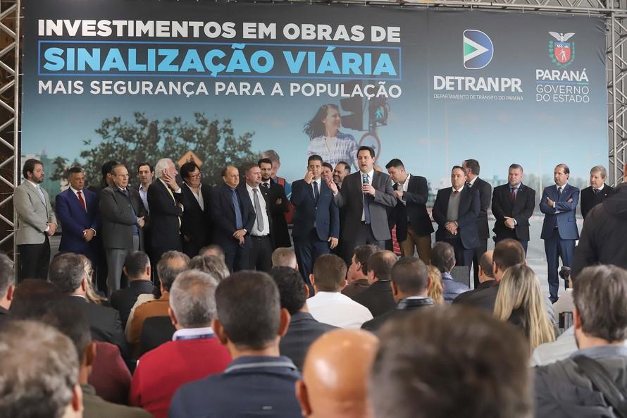 Governo repassa R$ 6 milhões para sinalização viária em 39 cidades