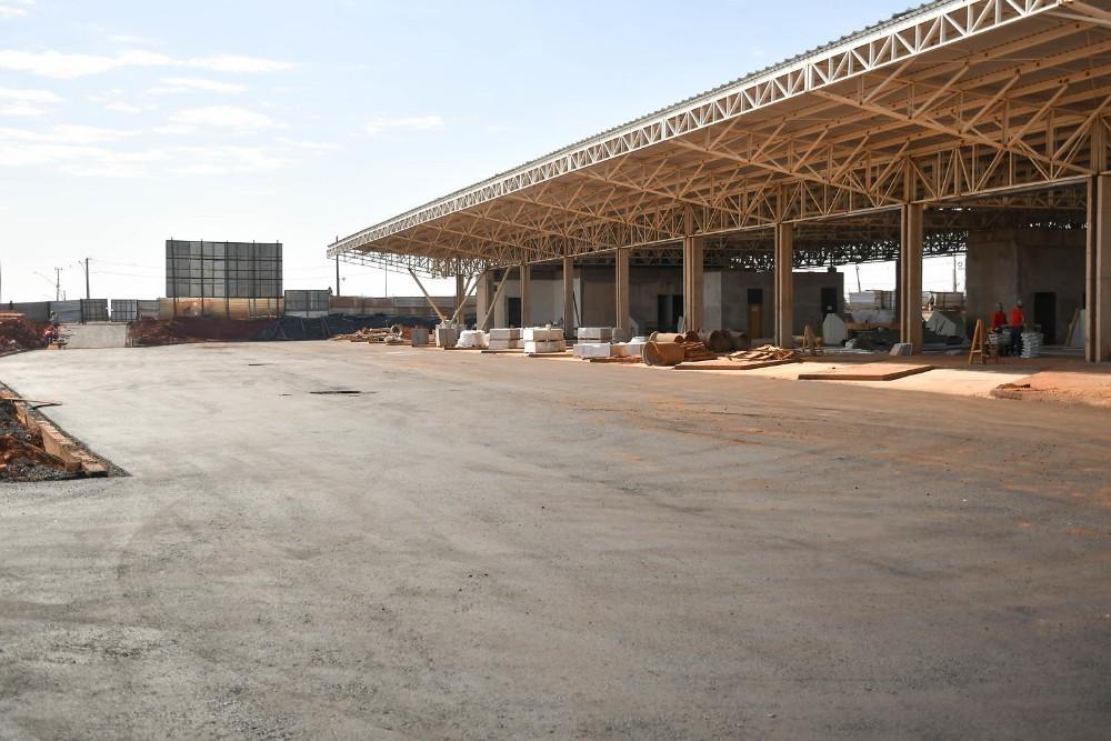 Pátio do novo Terminal Rodoviário de Umuarama já foi asfaltado