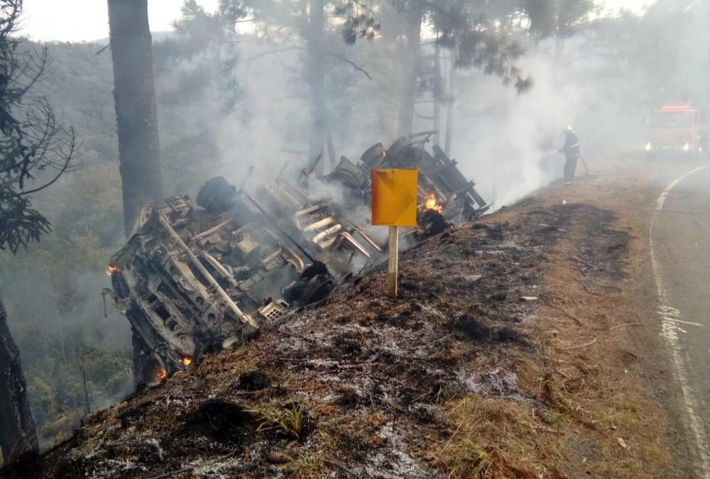 Corpo de Bombeiros foi acionado por volta das 6h50, na PR-170 — Foto: Corpo de Bombeiros/Divulgação