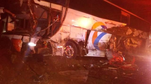 Ônibus com professores e estudantes de Goioerê e região sofre grave acidente na BR-277