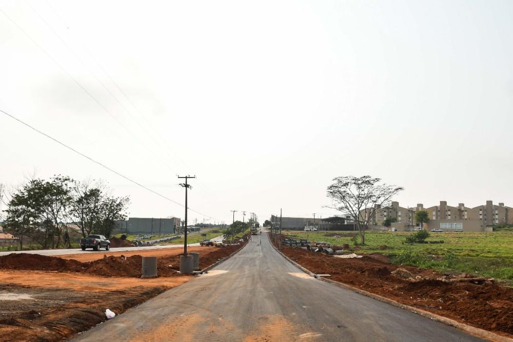 Mais da metade da duplicação da Ivo Sooma, saída para Xambrê já recebeu terraplenagem