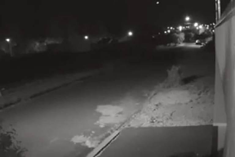 A queda de meteoro que gerou clarão e estrondo, assustando moradores paranaenses