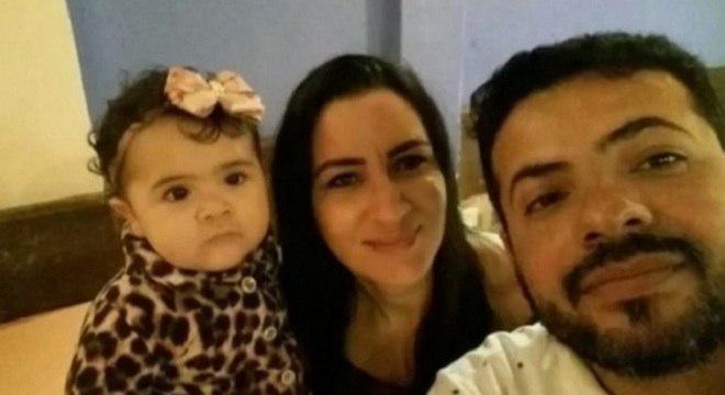 Criança morreu na frente dos pais após receber injeção no Guarujá. (Foto: Reprodução/ Record TV)