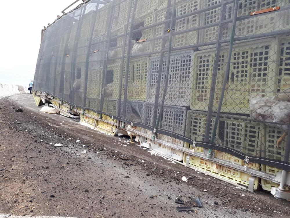 Segundo tombamento de carreta no Contorno Norte é registrado em 10 dias, em Maringá