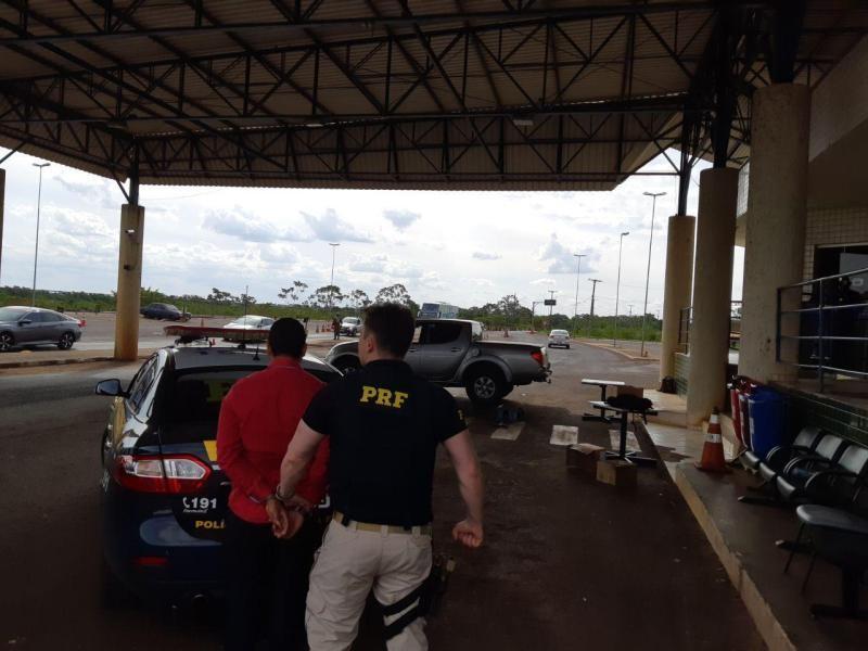 PRF descobre 74 quilos de cocaína em fundo falso de caminhonete em Guaíra