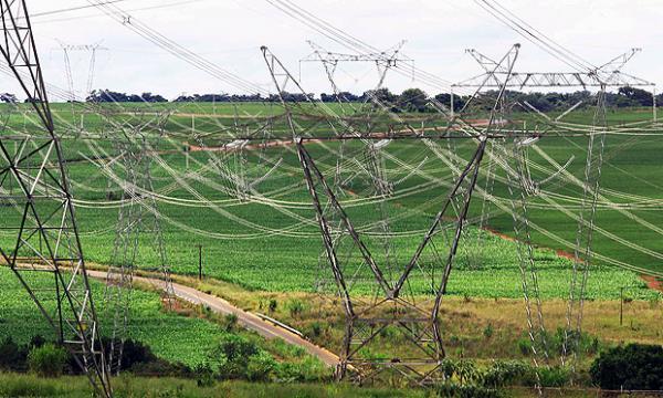 Governo inicia reorganização do setor elétrico