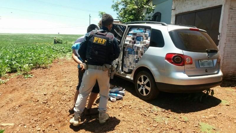 Contrabandista é preso após lançar fumaça e bater em viatura da PRF, veja VÍDEO