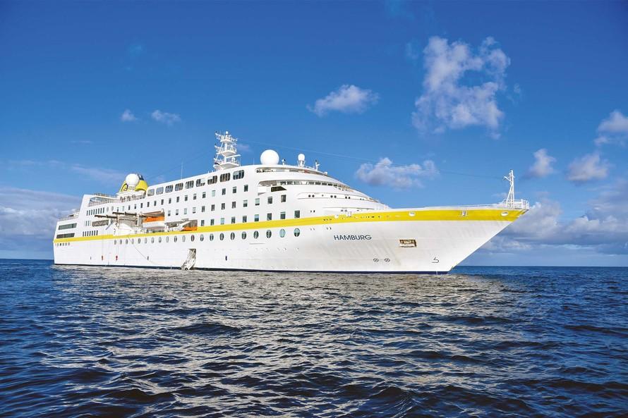 Porto de Paranaguá recebe navio de passageiros no domingo