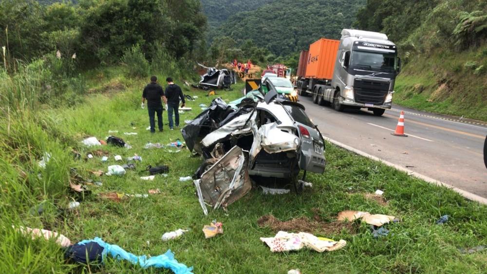 Grave acidente mata três pessoas na BR-277