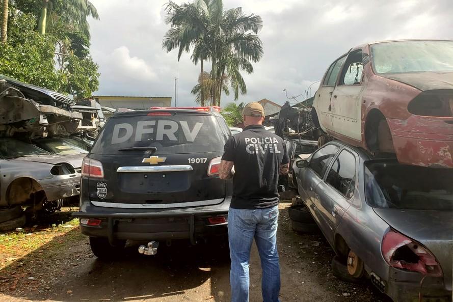 Polícia Civil faz operação de combate a furtos e roubos de veículos