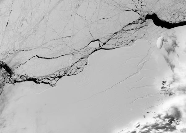 Desprendimento de iceberg da Antártida é