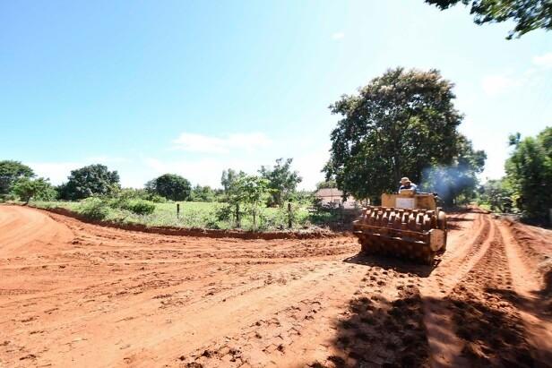 Estrada da Vila Rural de Serra dos Dourados recebe readequação