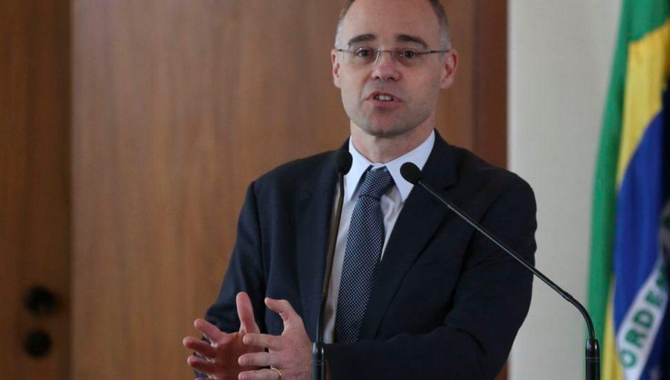 Bolsonaro nomeia André Mendonça como ministro da Justiça no lugar de Sérgio Moro