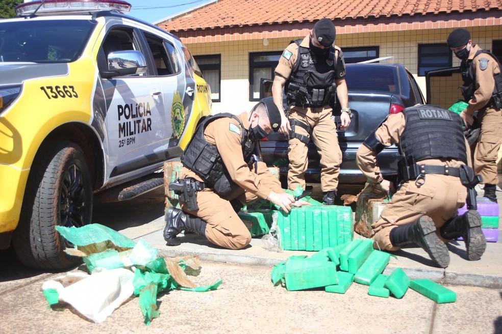 Jovem é preso suspeito de transportar 290 quilos de maconha, em Umuarama