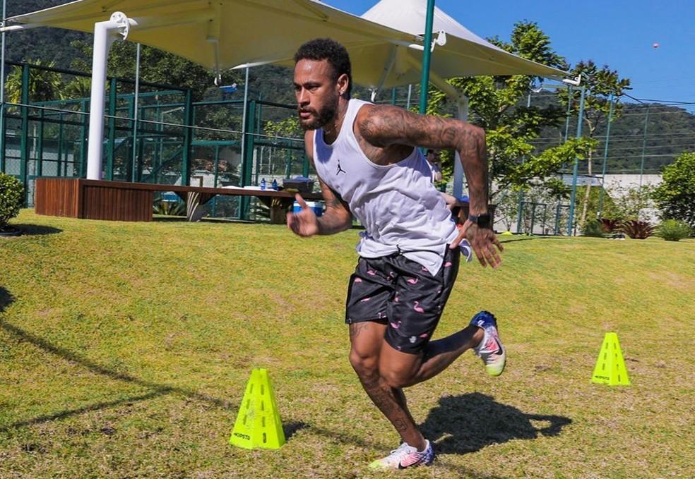 Ritmo de treinos de Neymar durante quarentena foi elogiado internamente no PSG, segundo