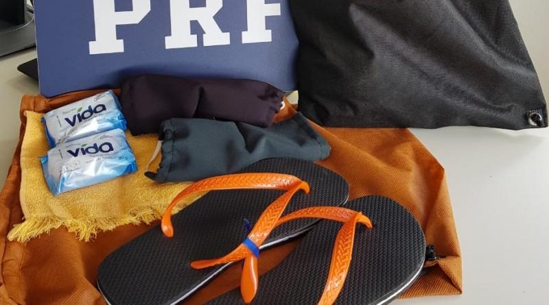 PRF, Depen e Rodonorte distribuirão chinelos e itens de higiene a andarilhos no Paraná