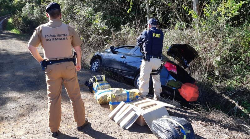 Após perseguição, PRF apreende 136 quilos de maconha em Irati