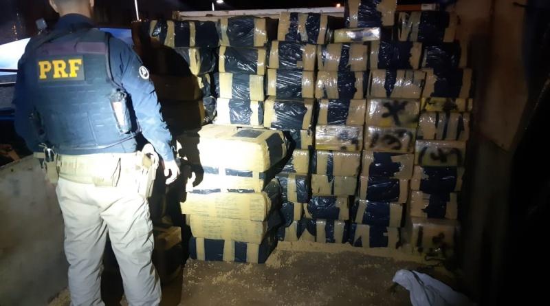 PRF apreende mais de 3 toneladas de maconha em Francisco Alves