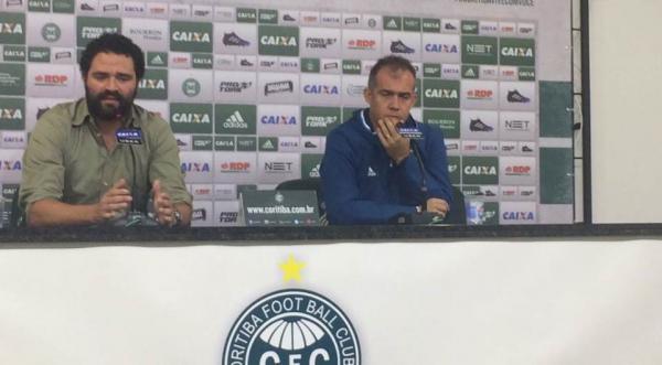 """""""O Coritiba tem que ser o protagonista"""", diz Eduardo Baptista"""
