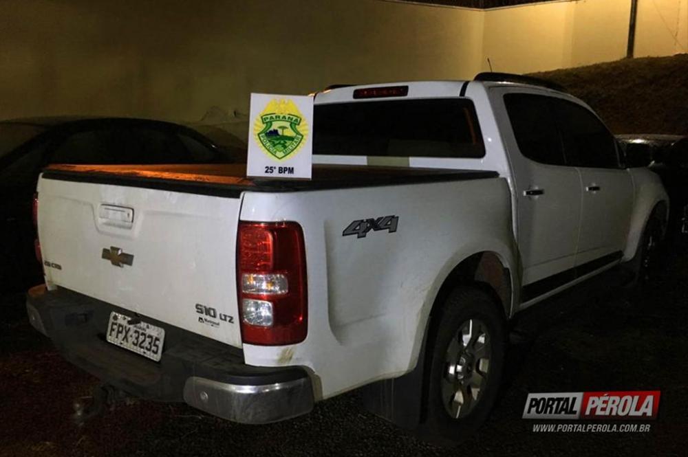 Caminhonete furtada em Curitiba é recuperada pela Policia Militar de Pérola