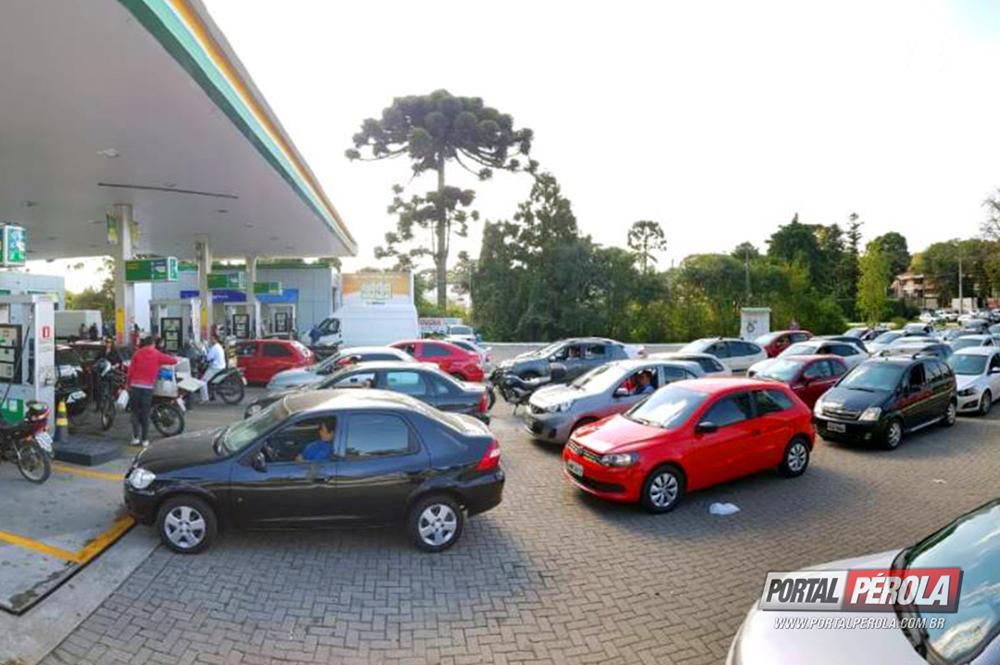 Praticamente esgotados os estoques de gasolina e etanol no Paraná