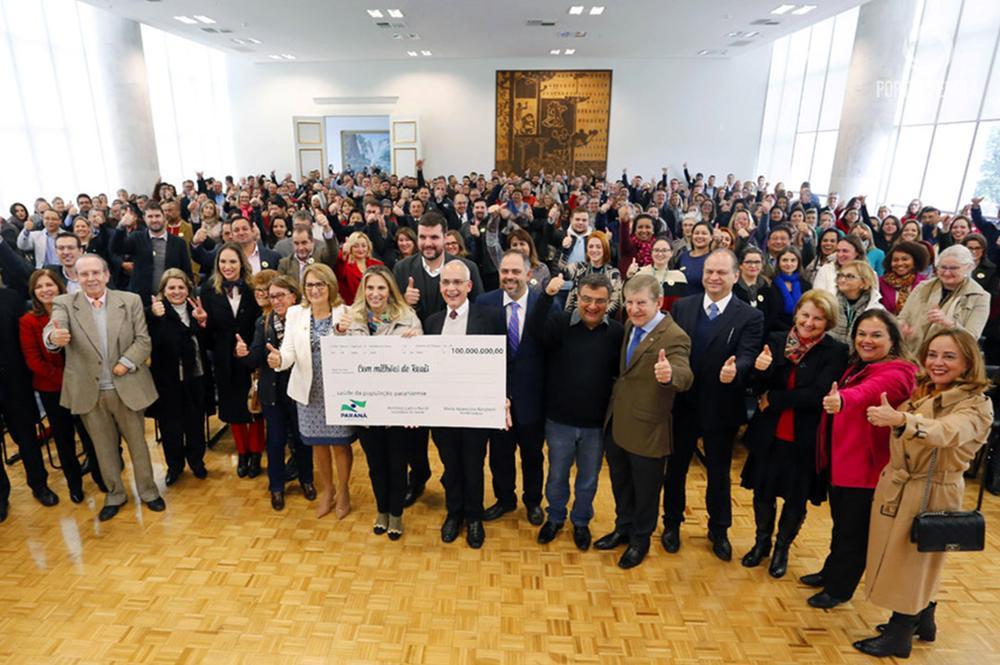 Cida anuncia R$ 100 milhões para a saúde em 69 cidades do Paraná