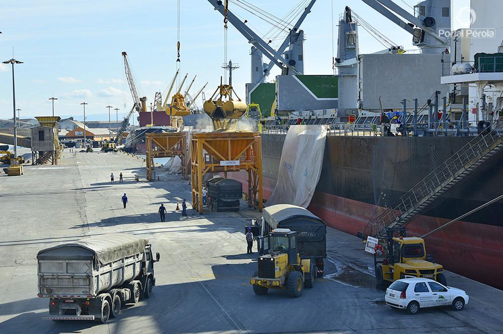 Porto de Paranaguá tem melhor mês de maio da história