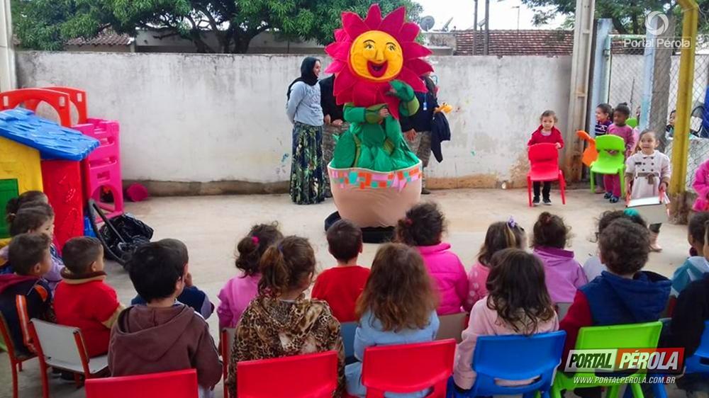 """""""Projeto fora dengue"""" mobiliza crianças de CMEI em Umuarama"""
