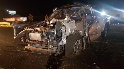Jovem morre após capotar caminhonete na BR-277, em Cascavel