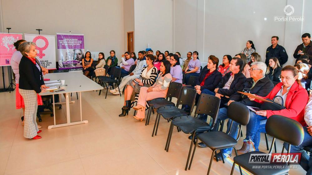 Conselho da Mulher reúne lideranças para discutir ações contra a violência