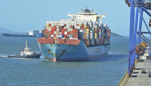 Porto de Paranaguá tem maior movimentação da história para o mês de setembro, diz governo