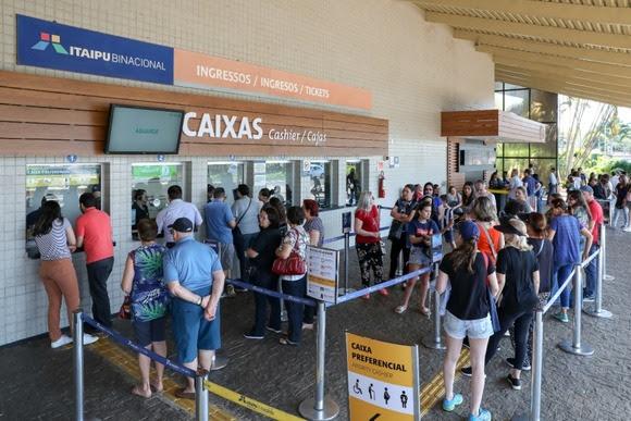 Itaipu espera mais de 9 mil turistas no feriado prolongado da Padroeira
