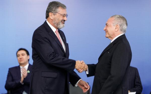 Torquato Jardim é o novo ministro da Justiça, no lugar de Osmar Serraglio