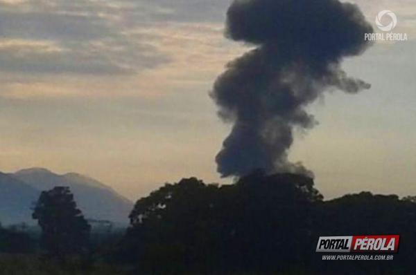 Jato da Força Aérea Brasileira caiu em Itaguaí, no Rio de Janeiro